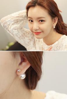 Pearl drop earring <br>