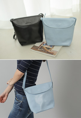 To coordinate Too Good Cover Shoulder Bag <br>