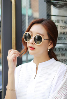 Sunglasses Round Trendy Trends these days <br>