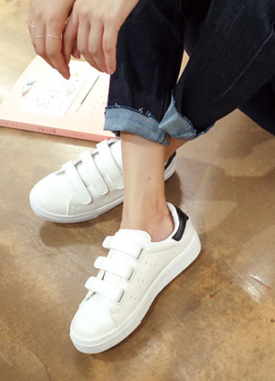 Uptown 3line Velcro Sneakers <br>