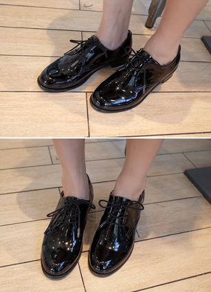 French lace-up Enamel Loafers <br>