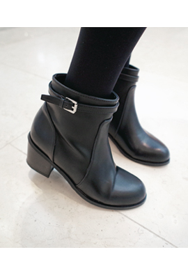 High Quality Belted Buckle Angle Boots <br>