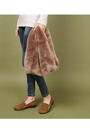 The fur basket Bag which is popular these days <br>