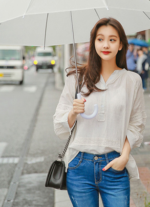 Natural Wrinkle Bottom Lace Balloon Blouse <br> <FONT color=#980000>◆ Remaining Quantity: 1 Ivory</font> <br>