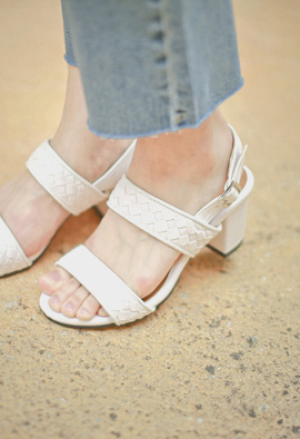 Mesh Pattern Two lines Strap Sandals <br>