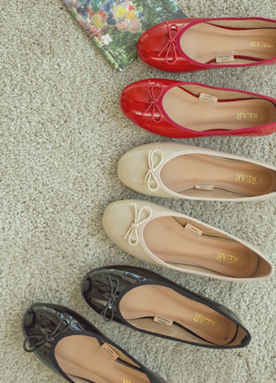 Enamel Sandrig Bibi Ribbon Flat shoes <br>
