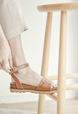 Simpleless Cushion Strap Sandals <br>