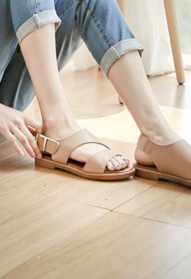 Velcro Eonbal Cutting Sandal <br> <FONT color=#980000>◆ Quantity left: White / 225 1Piece, White / 235 1Piece</font> <br>