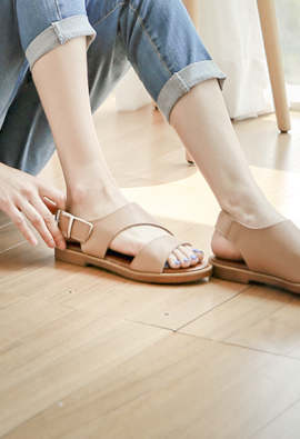 Velcro Eonbal Cutting Sandals <br>