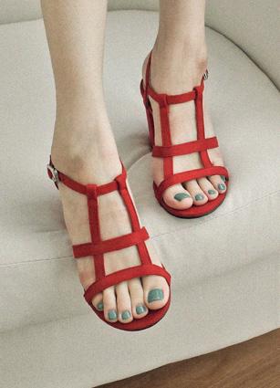 """Slim Square Line Strip Heel <br> <font color=""""#ed1558""""><b>[height heel: 9cm]</b> <br></font>"""