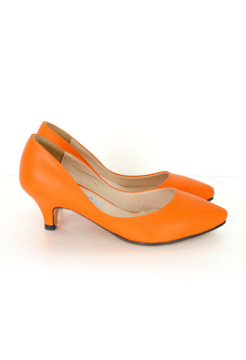[Model wearing product] SHOES. 108 <br> <b><FONT color=#980000>[5900 Clearance!]</font></b> <br>