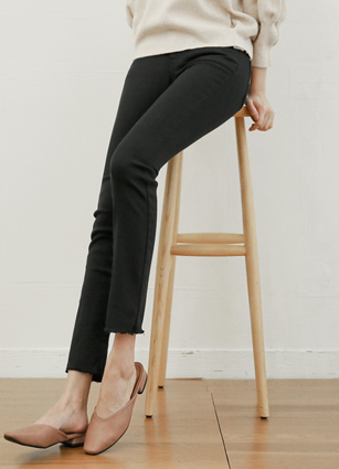 Daily Secret Bending Black Slim Date Pants (801) <B>(S, M, L)</b> <br> [Late 84Piece]