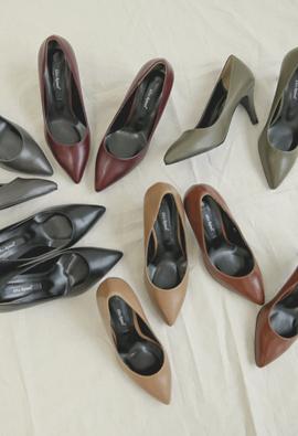 "Atmospheric deep color stiletto heel <br> <font color=""#ed1558""><b>[height heel: 7.5cm]</b> <br></font>"