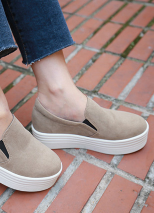 "Height Effect Basic Slip-on Shoes <font color=""#ed1558""><b>[Heel: 1cm]</b> <br></font>"