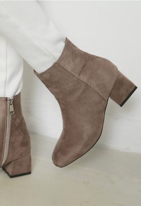 "Suede Zip Angle Boots <br> <font color=""#ed1558""><b>[height heel: 5.5cm]</b> <br></font> <FONT color=#980000>◆ Quantity left: Beige / 240 1Piece</font> <br>"