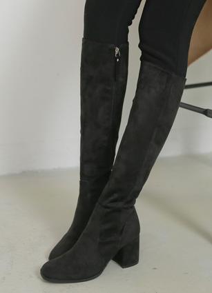 "Slim Shoes Slim Leather Angle Boots <br> <font color=""#ed1558""><b>[height heel: 6cm]</b> <br></font> <FONT color=#980000>◆ Quantity left: Black / 225 1Piece, Black / 240 1Piece, Brown / 250 1Piece</font> <br>"
