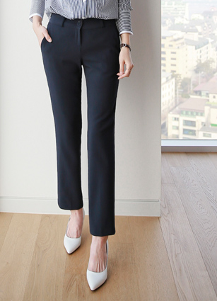 Modern sensibility Basic Semi-day Slacks <br>