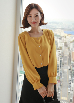 Square Neck Diamond Button Blouse <br> <b>(Broadcast sponsorship)</b> <br>