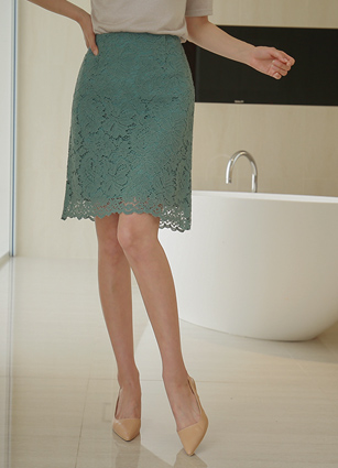 Mered Aline Lace Skirt <B>(S, M)</b>