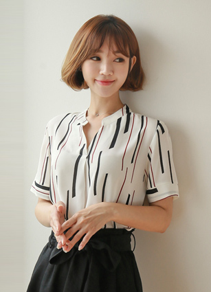Windy Pattern Half-open Blouse <br>