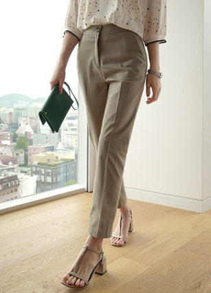 Broad rear banding Slim dated Linen Slacks <br> <B>(S ~ L)</b>