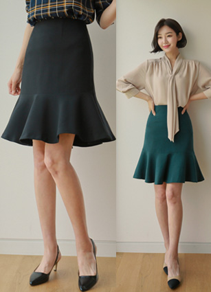 Main Frill Skirt <br> <B>(S ~ L) / (Broadcast sponsorship)</b> <br> <FONT color=#980000>◆ Remaining Quantity: Black / L 1, Dark green / S 1</font> <br>