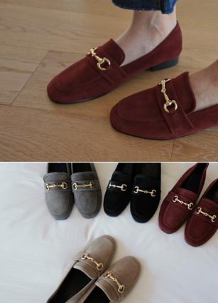 """Jordan gold bracelet Suede Loafers <br> <font color=""""#ed1558""""><b>[height heel: 2cm]</b> <br></font>"""