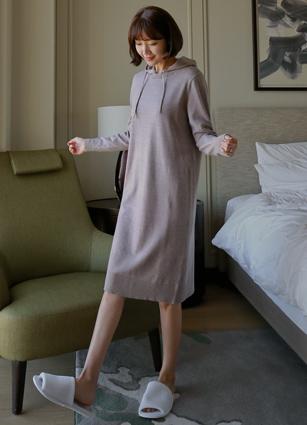 W. Hood Knit Long One-piece dress <br>