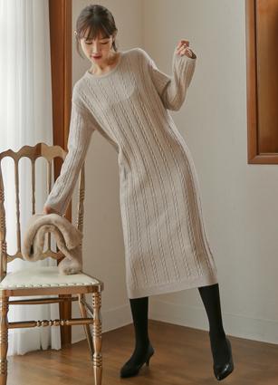 McQueen Pretzel Knit Long One-piece dress <br> [Price 55Piece]