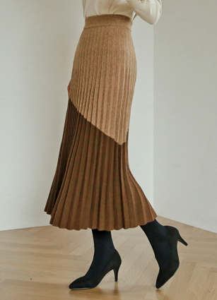 Lima In Appearance Wrinkles Wool Knit Skirt <br>