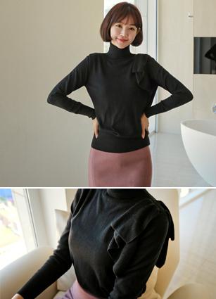 Dress-up shoulder ruffle Wool Turtleneck Knit <br>