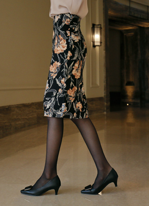 <b><FONT color=#980000>Always ♡ Lowest price</font></b> <br> Glea Flower Span H Skirt <B>(S, M, L)</b>