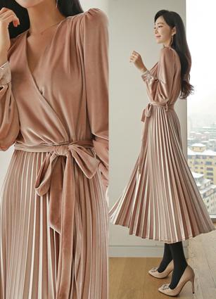 Glossy Velvet Rap Pleats Long One-piece dress <br>