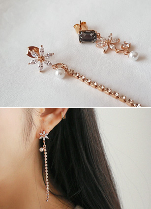 Unbalanced Flower olive earring (Silver Post) <br>