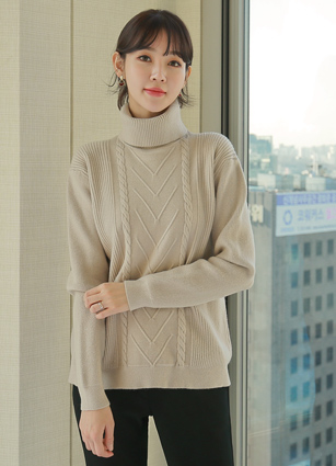 Tierra V Cable Turtleneck Wool Knit <br> <FONT color=#980000>◆ Remaining Quantity: 1 Black</font> <br>