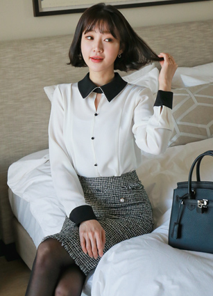 Dries Line Soybean button Blouse <br> <b>(Broadcast sponsorship)</b> <br>