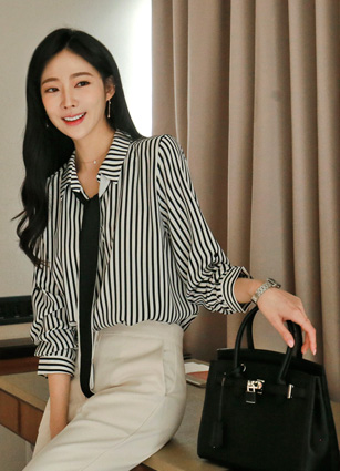 Plano Stripe Blouse (Tie Set) <br>