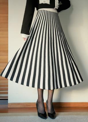 Bled ringpeol Knit Flare Skirt <br>