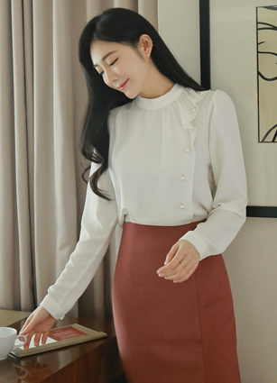 Musk frilly pearl blouse <br> <b>Broadcast Sponsorship product</b> <br>
