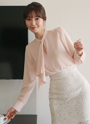 Pricel Pearl Frill Tie Blouse <br> <b>Broadcast Sponsorship product</b> <br>