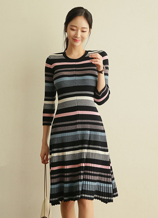 Glumming Stripe Knit One-piece dress <br>