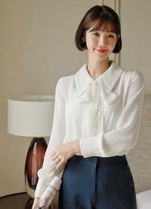 Deer Soybean button Kara Blouse (Thai set) <br> <b>Broadcast Sponsorship product</b> <br>