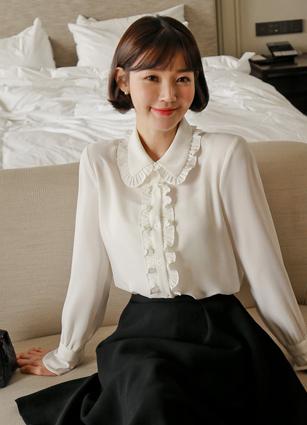 Opera Frill Kara Blouse (Thai set) <br> <b>Broadcast Sponsorship product</b> <br> <b>(Same day shipping product)</b>