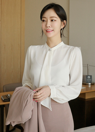 Stand Cubic Scarf Blouse <br>