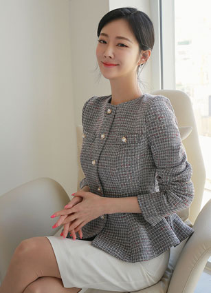Shahl Pearl Button Flare Fit Tweed Jacket <B>(S, M)</b>