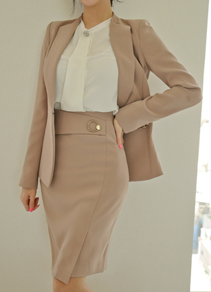 <b><FONT color=#980000>CodySET ◆ 10% discount</font></b> <br> Delu Chic Slim Jacket + <br> Deluge Gold Ring Skirt Skirt