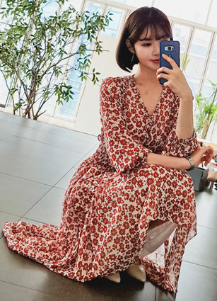 Smoke Soybean button VNeck Chiffon Long One-piece dress <br>