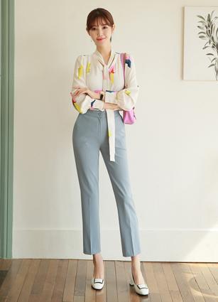 <b><FONT color=#980000>CodySET ◆ 10% discount</font></b> <br> Edel Ribbon Pattern Blouse + <br> Hepburn Secret Rock Banding Date Slacks