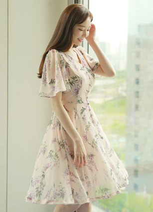 Bebe chiffon wing Flower Soybean button One-piece dress <B>(S, M, L)</b>