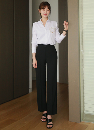 <b><FONT color=#980000>CodySET 10%</font></b> <br> London Embroidery Point Span Shirt + <br> Mark Chalang Material Back Bending Wide Slacks